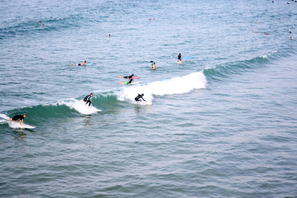 biarritz_surfer