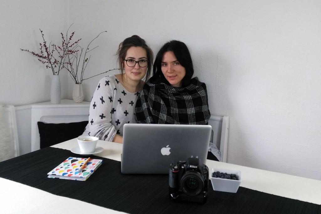 Simona (rechts) und ich beim Dreh mit Kristina